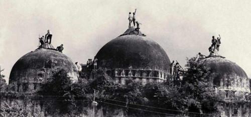 बाबरी मस्जिद घटनाको फैसला : आडवाणी र जोशीलगायत सबै ३२ अभियुक्तले पाए २८ वर्षपछि सफाई
